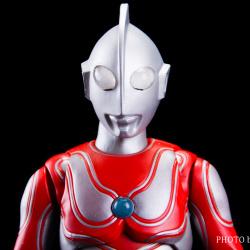 Ultraman (S.H. Figuarts / Bandai) - Page 5 F6OknoaD_t