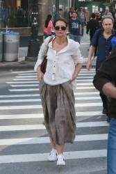 Katie Holmes - Heads into the New York City train station 05/18/2019