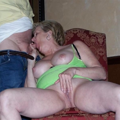 Amateur swinger party pics