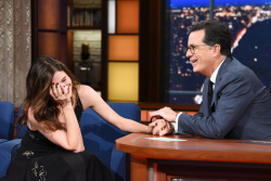 Kathryn Hahn - The Late Show with Stephen Colbert: November 2nd 2017