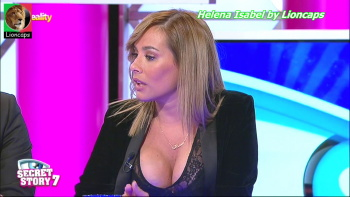 Helena Isabel sensual a comentar os reality shows na Tvi