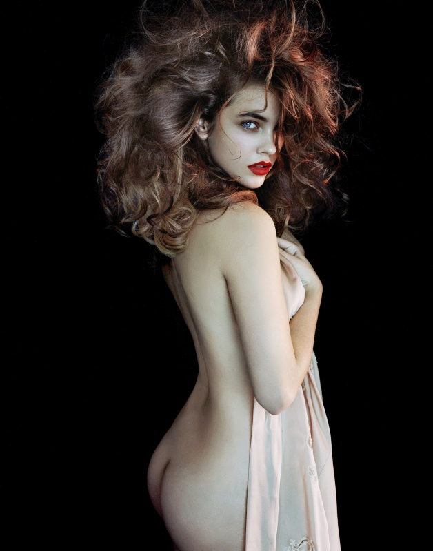 Barbara Palvin bare Ass photoshoot for L'Express Styles Oct 26 2011