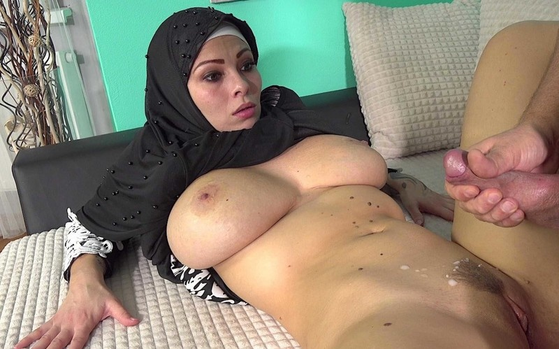 Dominno - Busty wife is wearing panties from a neighbor [UltraHD/2K 1920P]