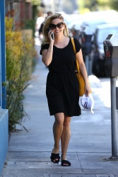 Reese Witherspoon - Out for lunch in Brentwood 06/30/2018