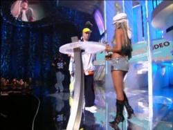 Christina Aguilera - 2002 MTV VMAs E3lyAa14_t