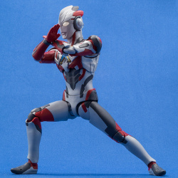 Ultraman (S.H. Figuarts / Bandai) - Page 6 VEHXucUr_t