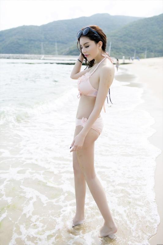 Weiyi Zhao 赵惟依