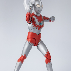 Ultraman (S.H. Figuarts / Bandai) - Page 5 E8mxbaeE_t