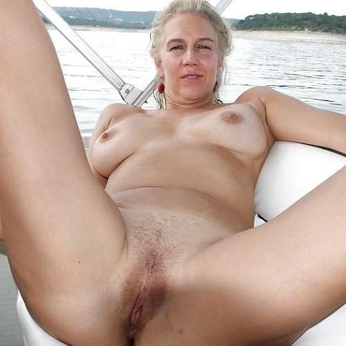 Free mature stocking porn