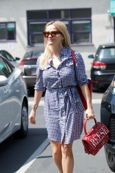 Reese Witherspoon - Outside her office in Los Angeles 05/09/18