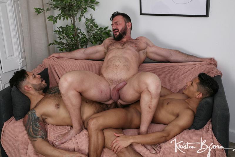 KristenBjorn: Cocked & Loaded: Cole Keller, Santiago Rodriguez, Viktor Rom (Bareback)