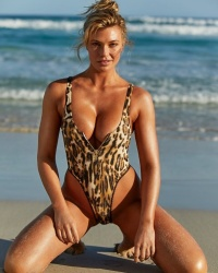 Samantha Hoopes in a Sexy Swimsuit For Sports Illustrated 2018