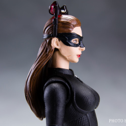 Catwoman - Batman The Dark Knigh rises - SH Figuarts (Bandai) AYfe5SUG_t