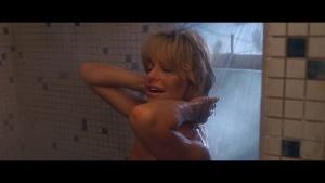 Goldie Hawn / Bird on a Wire / nipple / butt / (US 1990) KonNO9f2_t