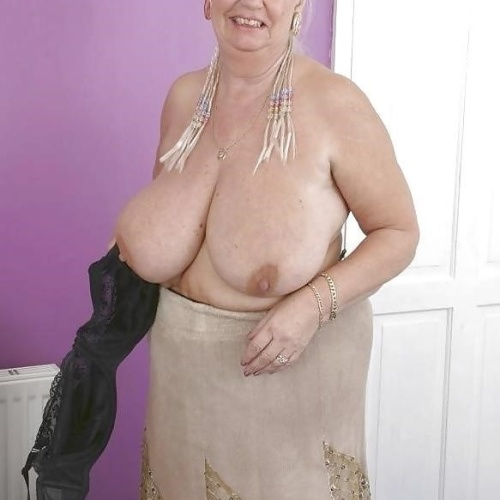 Beautiful older women nude pics
