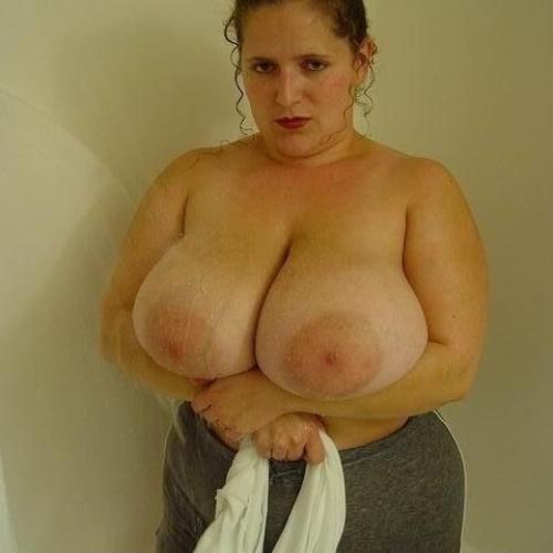 Big tits masturbatin