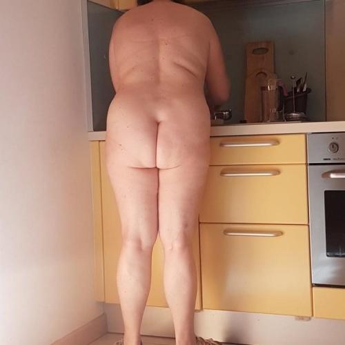 Chubby amateur nude pics
