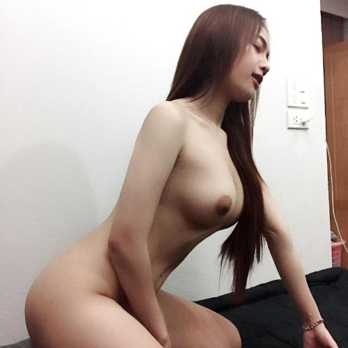 Nude selfies on reddit