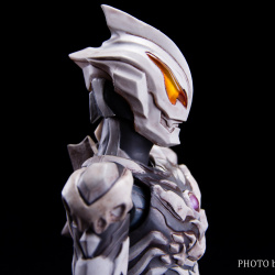 Ultraman (S.H. Figuarts / Bandai) - Page 7 JTBIi0mC_t
