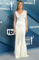 Jennifer Aniston VLViLLjR_t