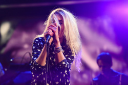 Alison Mosshart - The Late Show with Stephen Colbert: May 22nd 2018
