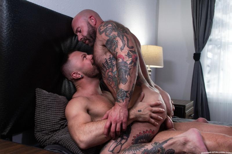 RagingStallion: Loaded: Muscle Fuck! – Wade Wolfgar, Dickie James (Bareback)