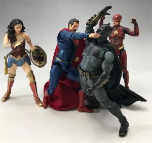 [Comentários] DC Comics S.H. Figuarts - Página 2 JKryMKr9_t
