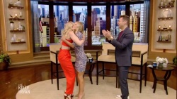 Beth Behrs & Kelly Ripa - Live with Kelly & Ryan - April 18, 2019