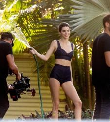 Kendall Jenner 8Xt0oFKp_t