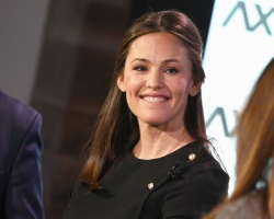Jennifer Garner - Axios News Shapers event in Washington DC 02/22/2019