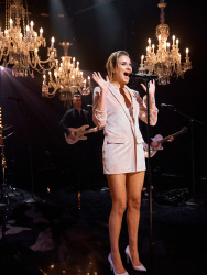 Kelsea Ballerini - The Late Late Show with James Corden: April 10th 2018
