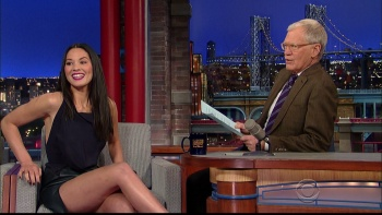 OLIVIA MUNN - *thigh show spectacular* - letterman - Dec 10, 2014 a9voyZl2_t