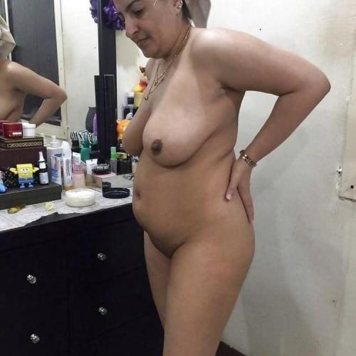 Big aunty nude photos