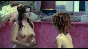 Patrizia Webley / Cha Landres / others / Le calde notti di Caligola / nude / (IT 1977) BBxZCUW3_t
