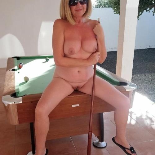 Mature beauty nude