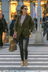Katie Holmes - Out shopping in NYC 10/12/2018 XReryGDJ_t