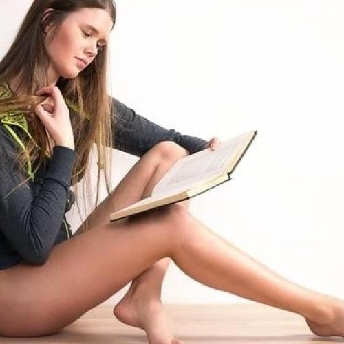 Sexy teen legs and feet
