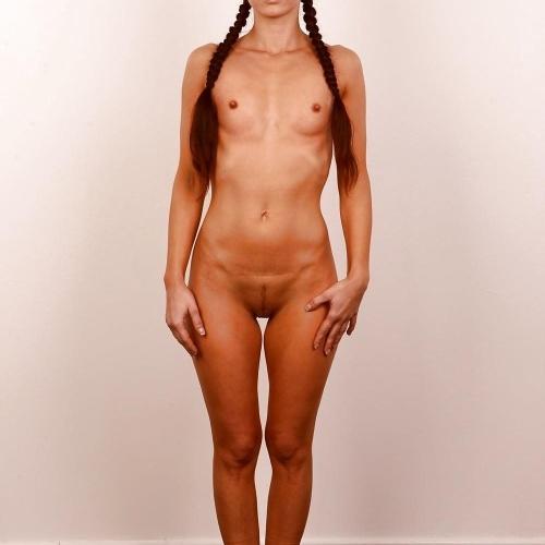 Nude girls posing pics