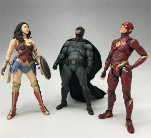 [Comentários] DC Comics S.H. Figuarts - Página 2 VApH8eTK_t