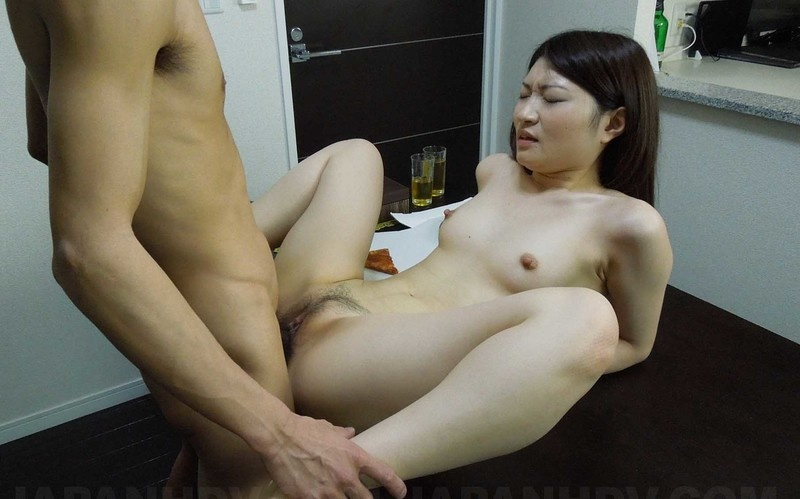 Shiori Moriya - Gets A Pizza Delivered And Is So Lonely She Fucks The Deliveryman [FullHD 1080P]