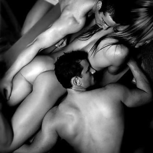 Black and white threesome pics