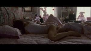 Natalie Portman / Mila Kunis / Black Swan / lesbi / sex / (US 2010) E68b6rYz_t