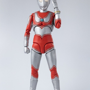 Ultraman (S.H. Figuarts / Bandai) - Page 5 JMzcrg08_t