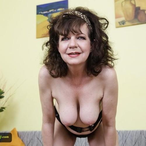 Sexy picture jabardasti sex