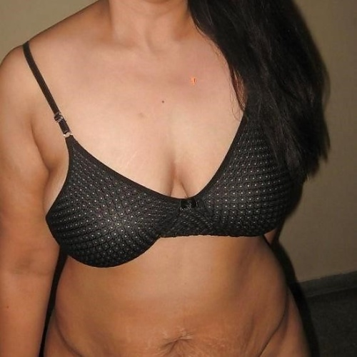 Aunty full sexy photo