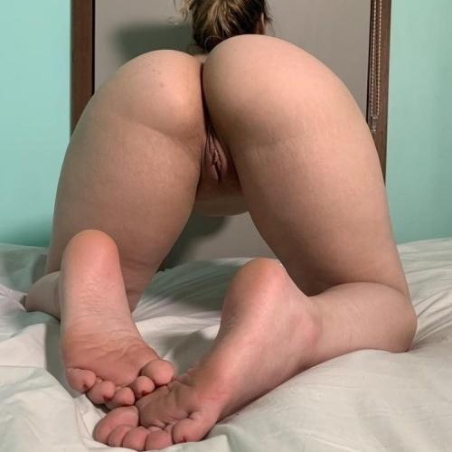 Big ass white girls