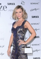Joanna Krupa  for a party in 9