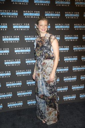 Amy Smart - Mercy for Animals Gala in Los Angeles 09/15/2018