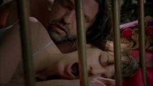 Milla Jovovich / .45 / nude / sex / lesbi / (US 2006) GJmigiIU_t