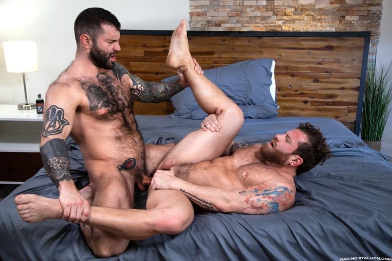 RagingStallion: Loaded: Muscle Fuck! – Riley Mitchel, Markus Kage (Bareback)